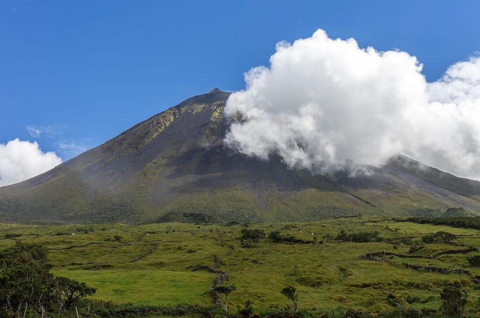 Subida à montanha mais alta de Portugal e outras atrações na ilha do Pico | Açores