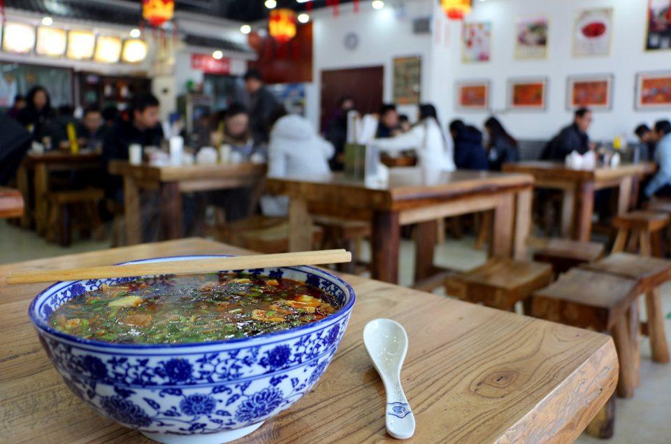 9 produtos que não podem faltar à mesa de um chinês