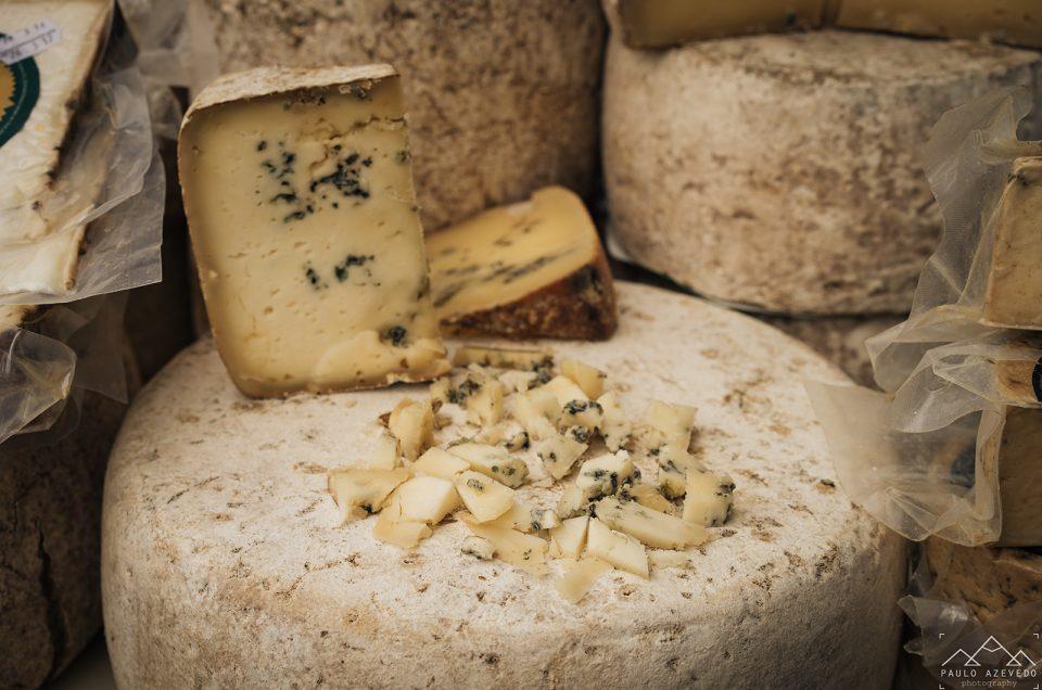 Viv'ós queijos no mercado de Cangas de Onís