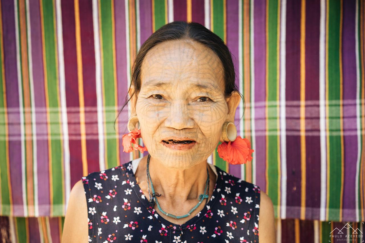 Aldeia Chin - Senhora de Rosto Tatuado