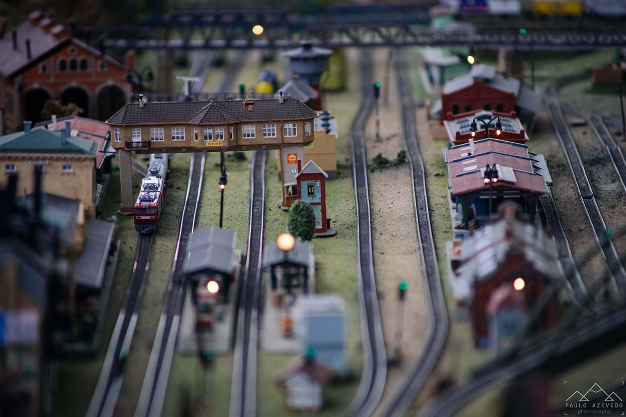 Estação de comboios em miniatura no Museu do Brinquedo Português