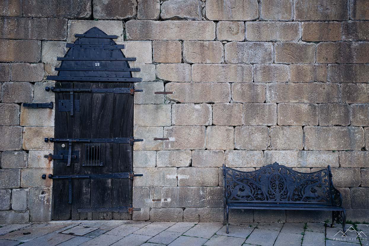 Porta na Torre da Cadeia Velha em Ponte de Lima
