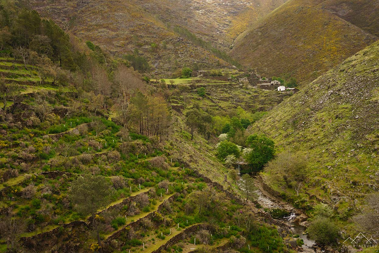 Drave encaixada nas montanhas