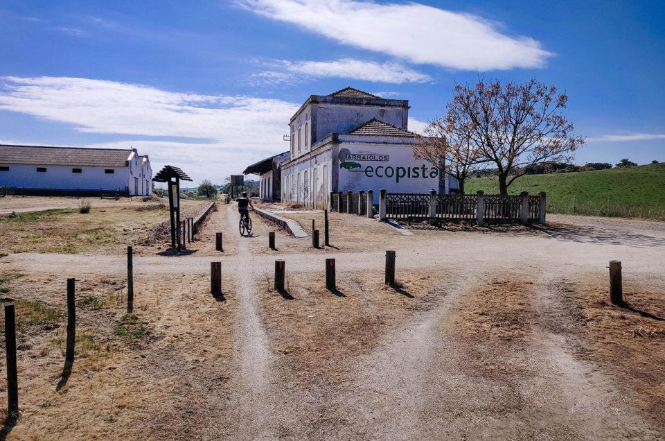 Ficas tão bonita a pedalar: nós na Ecopista do Ramal de Mora