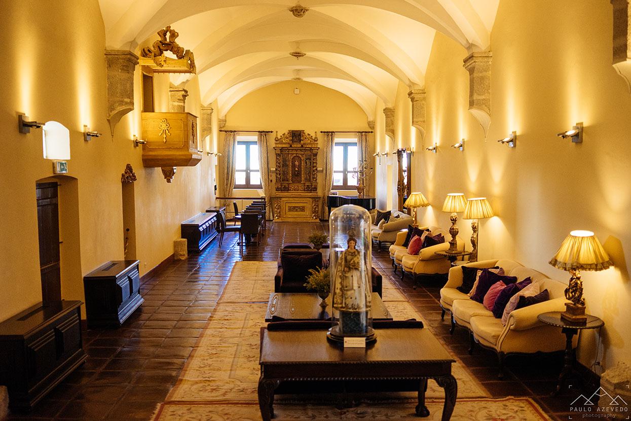 Uma das salas de estar do Convento do Espinheiro, um hotel histórico em Évora