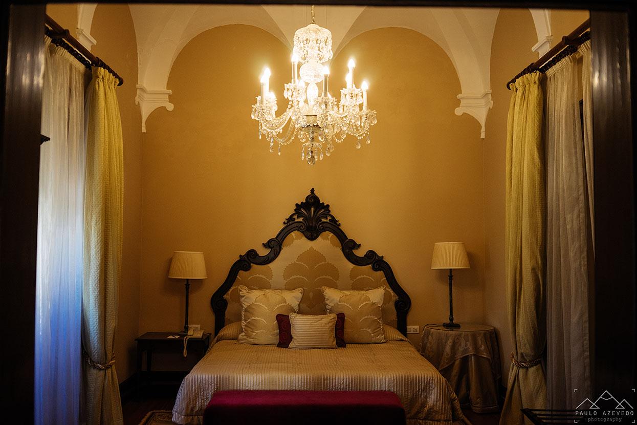 Um dos quartos do Convento do Espinheiro, um hotel histórico Évora