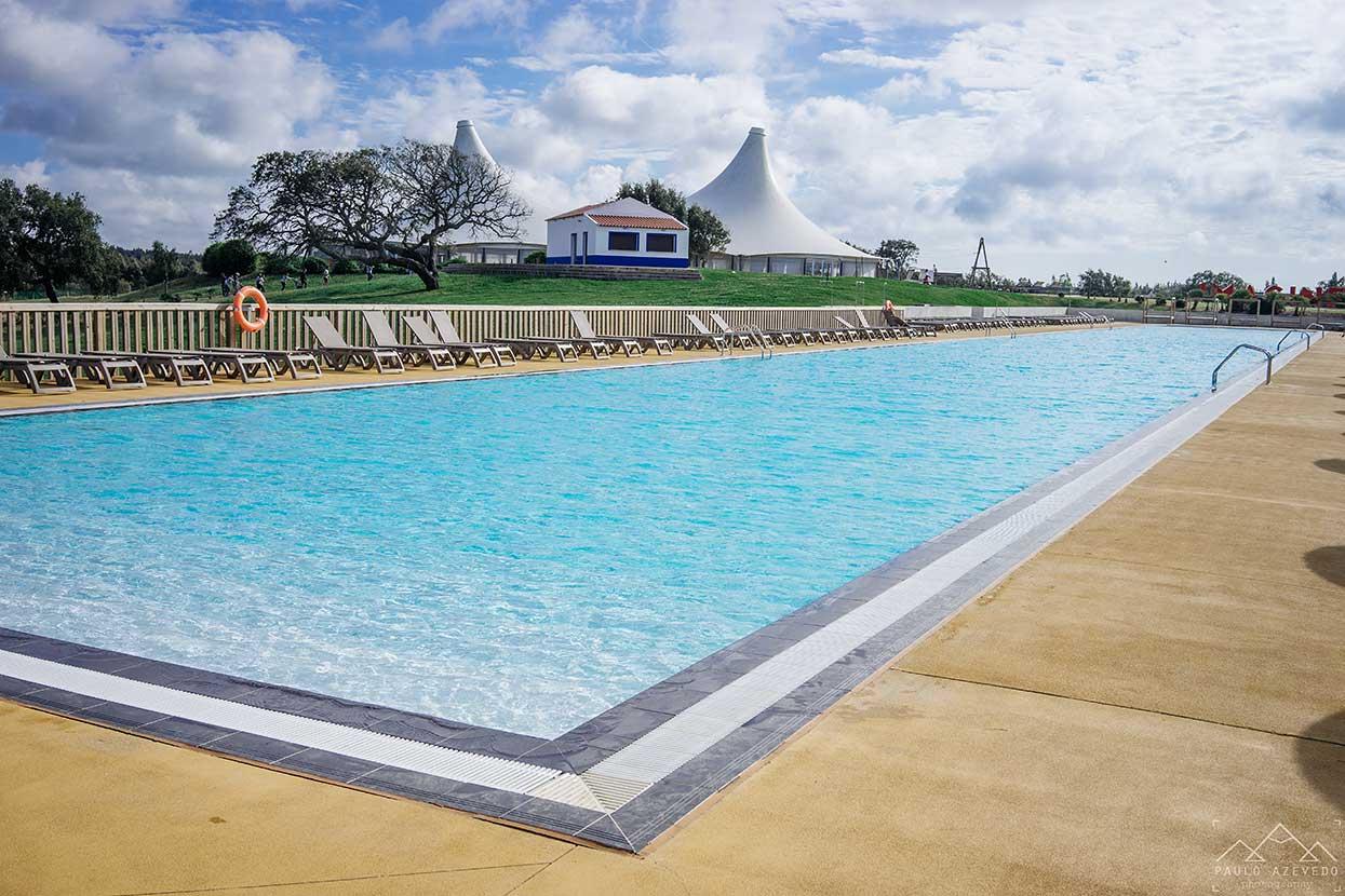 piscina exterior do zmar