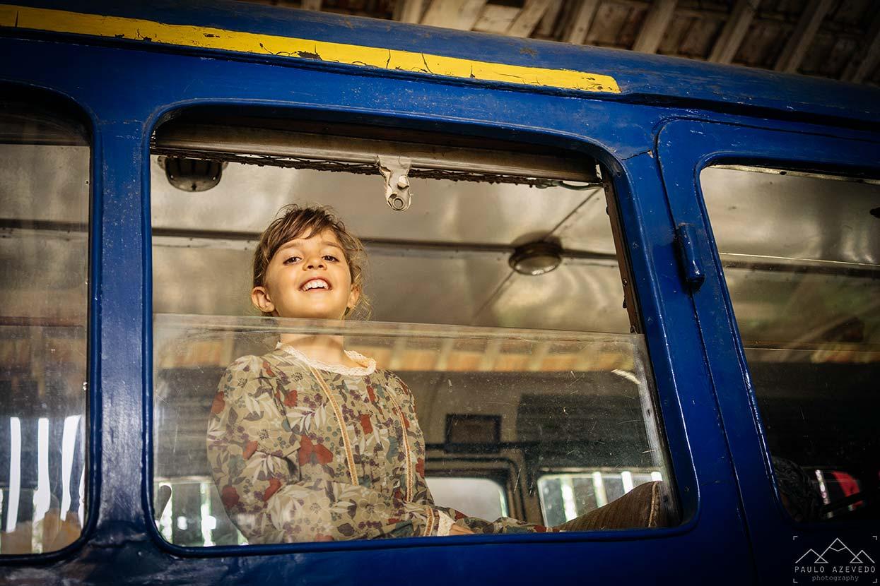 Menina à janela do Vouguinha