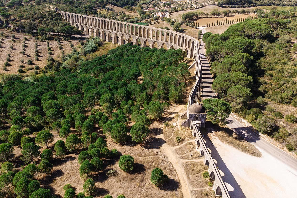 Vista aérea do Aqueduto dos Pegões