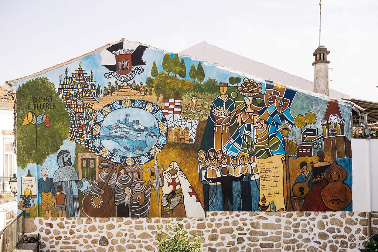 Mural  sobre Castelo Branco da autoria de Rosário Belo