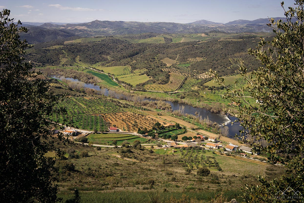 Vista sobre o rio Tua desde o Santuário de Nossa Senhora dos Remédios, Vila Flor