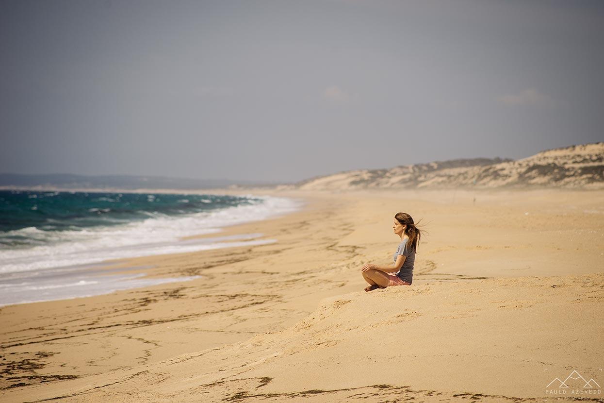 Praia deserta na Reserva Natural das Lagoas de Santo André e Sancha