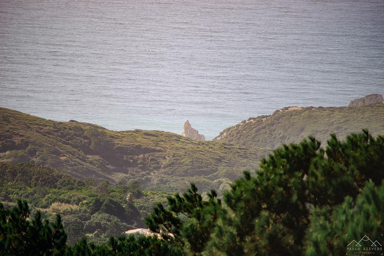 Rocha da Praia da Ursa desde Adrenunes
